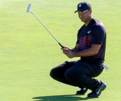 Tiger Woods: Fan screams during putt, infuriating golfer at Farmers