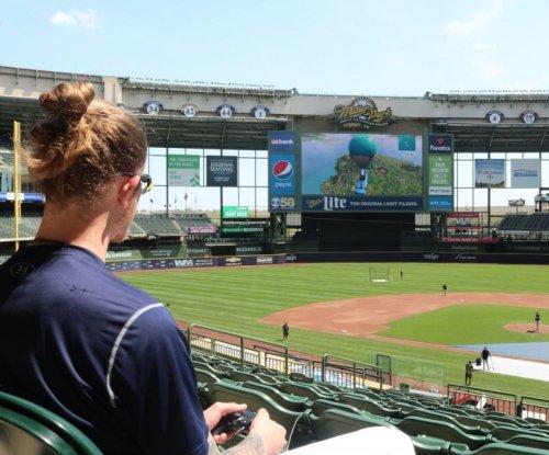 Milwaukee Brewers play 'Fortnite' on stadium jumbotron