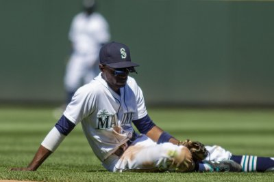 Dee Gordon angered after he's hit in wrist by pitch