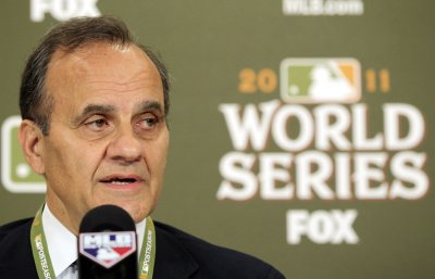 Torre to manage U.S. team in 2013 WBC