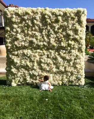 Kim Kardashian got a 'wall of flowers' from Kanye West for mother's day