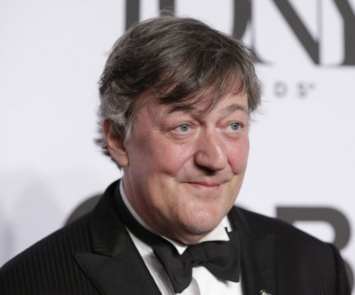 Stephen Fry to host the BAFTAs for a 10th time