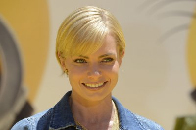Jaime Pressly joins the cast of 'Mom' for Season 3