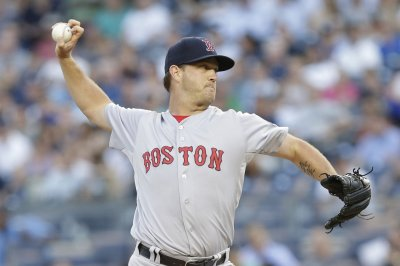Steven Wright, Boston Red Sox knuckle down, dump New York Yankees