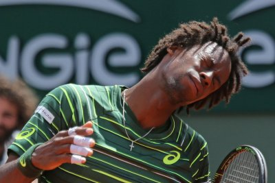 Gael Monfils wins first match in Rogers Cup