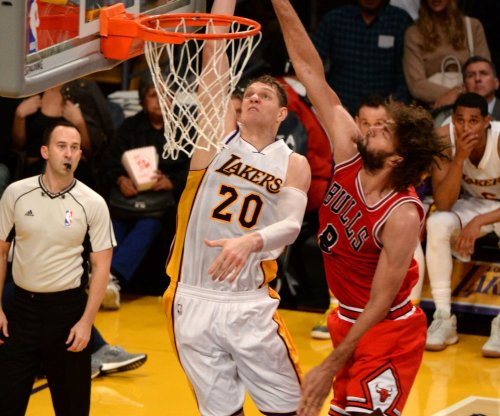 Los Angeles Lakers shut down healthy Luol Deng, Timofey Mozgov
