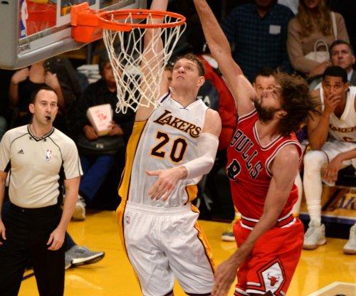 Los Angeles Lakers shut down healthy Luol Deng, Timofey Mozgov