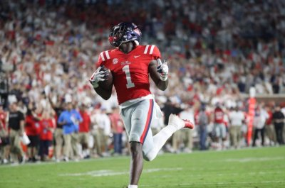 Ole Miss WR A.J. Brown declares for NFL Draft; three receivers to skip bowls