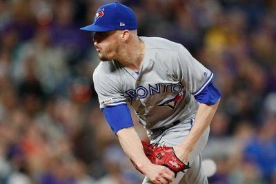 Toronto Blue Jays closer Ken Giles dealing with elbow soreness