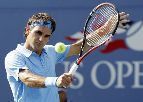 Mayer to play Federer in Stockholm final