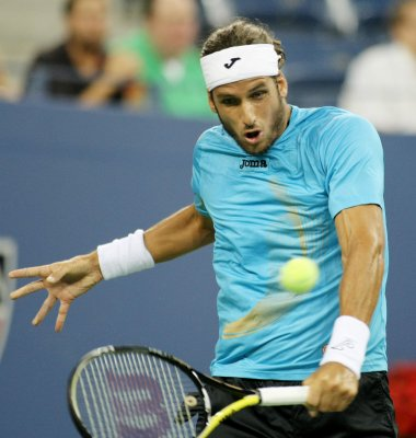 Lopez moves to second round in Malaysia
