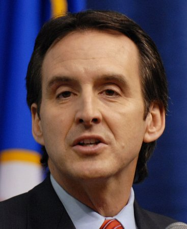Pawlenty only top name at 1st GOP debate