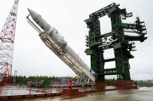 Launch of Russia's Angara rocket scratched at last minute