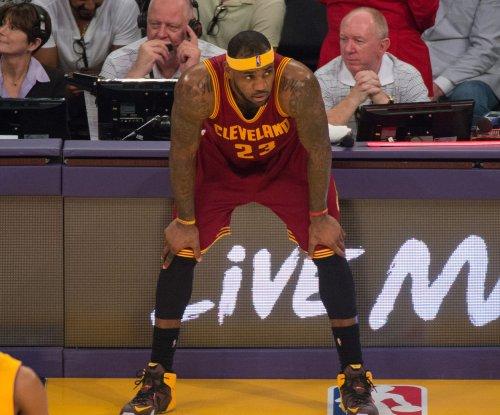 LeBron James, Cleveland Cavaliers beat Oklahoma City Thunder for sixth straight win