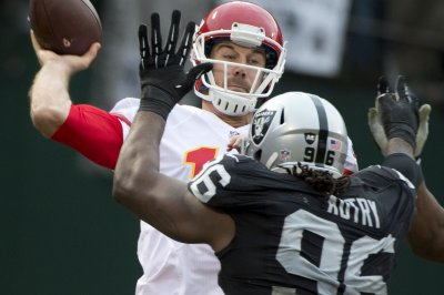 Chiefs come back to beat Raiders