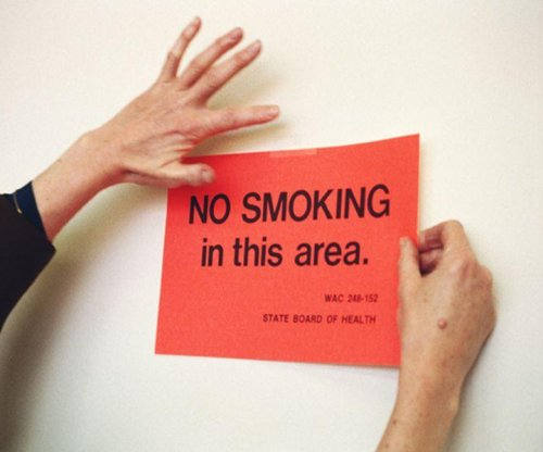 U.S. to ban smoking in public housing