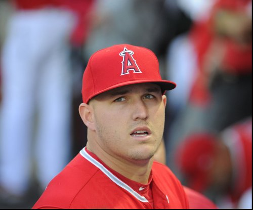 Mike Trout sidelined indefinitely due to torn thumb ligament