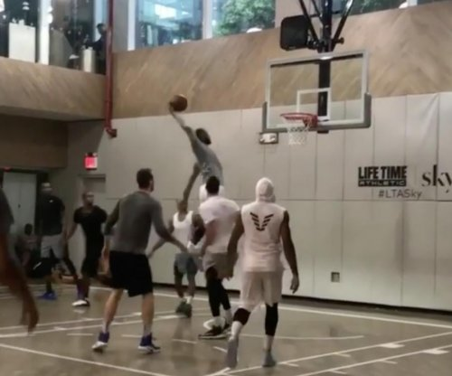 LeBron James, Kevin Durant, Carmelo Anthony play pickup basketball