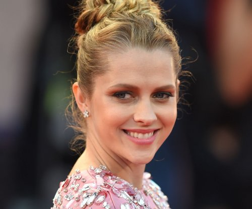 Matthew Goode, Teresa Palmer to star in 'A Discovery of Witches' series