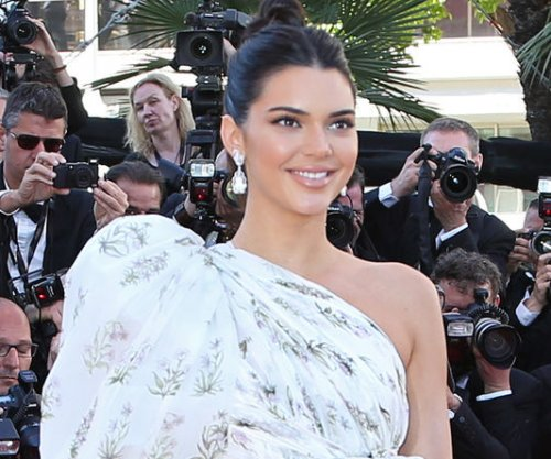 Kendall Jenner celebrates 22nd birthday with beau Blake Griffin
