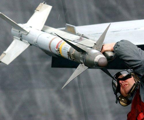 Raytheon gets $434 million contract to modify AIM-9X Sidewinder missiles