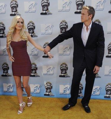 Heidi, Sanjaya set for 'I'm a Celebrity'