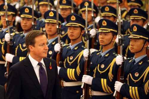 Cameron seeks stronger ties with China