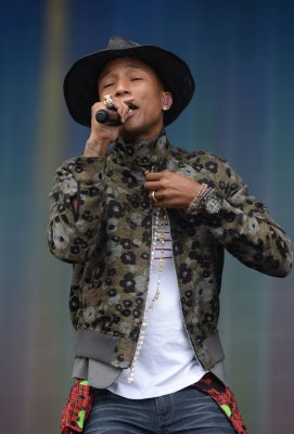 Pharrell Williams apologizes for wearing Native American headdress