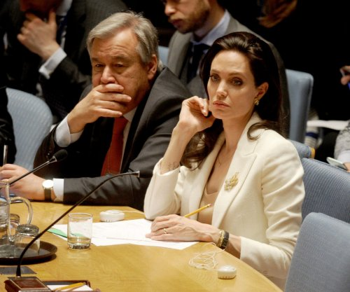 Angelina Jolie: Syrian refugee crisis in Turkey 'simply cannot go on'