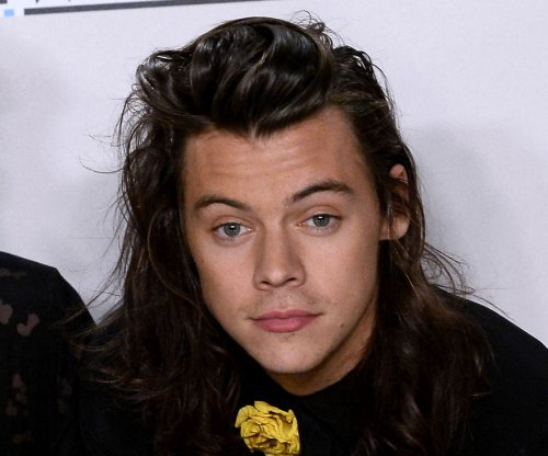 Harry Styles spotted with short hair on 'Dunkirk' set