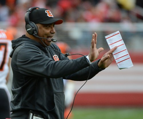 Cincinnati Bengals' Marvin Lewis stressing 'Pound the Rock'