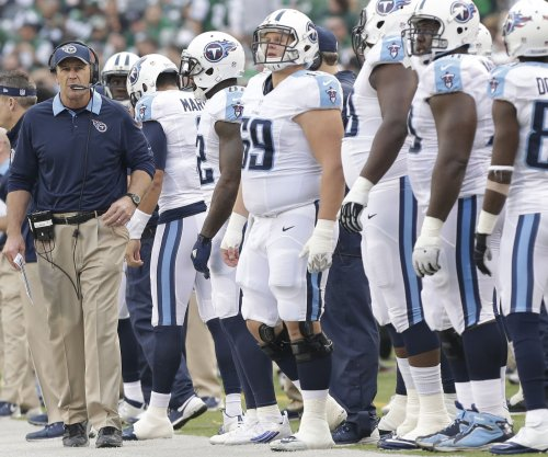 Tennessee Titans build lead, hold off Chicago Bears 27-21