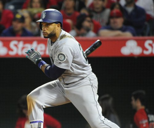 Seattle Mariners' Robinson Cano scratched due to quadriceps injury