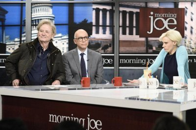 Bill Murray, Fred Armisen channel Steve Bannon, Michael Wolff on 'SNL'