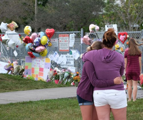 With letters, Newtown mothers unite in grief with Florida families