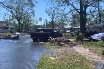 Louisiana struggles to recover after Laura, Delta hurricane landfalls