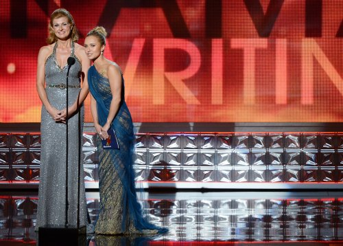 ABC orders full season of 'Nashville'