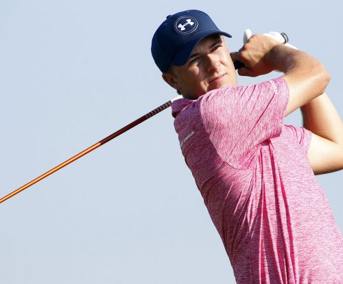 Jordan Spieth takes lead from Henrik Stenson in Tour Championship