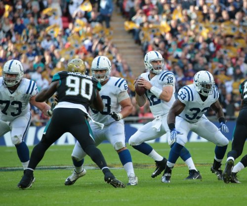 Indianapolis Colts sign OL Fahn Cooper