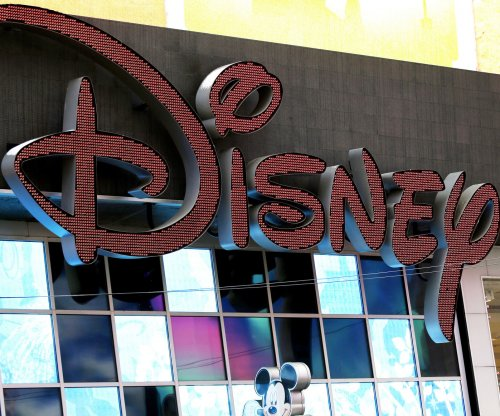 Disney to give $1,000 bonus to 125,000 employees after tax bill