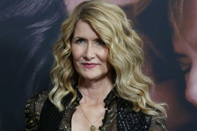 Laura Dern says she survived a hurricane while filming 'Jurassic Park'