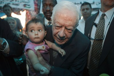 Carter: Support Palestinian unity accord