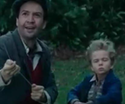 Lin-Manuel Miranda flies a kite in 'Mary Poppins' trailer