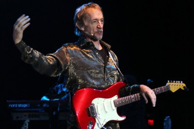 Monkees stars Michael Nesmith, Micky Dolenz mourn Peter Tork