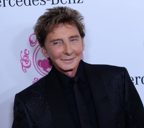 Barry Manilow announces North American concert tour