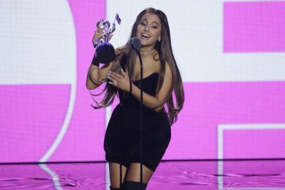 Ariana Grande stumbles while performing 'Thank U, Next'
