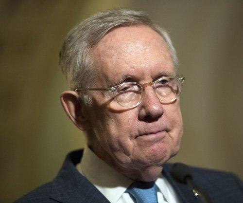 Harry Reid calls Donald Trump 'racist' on Senate floor