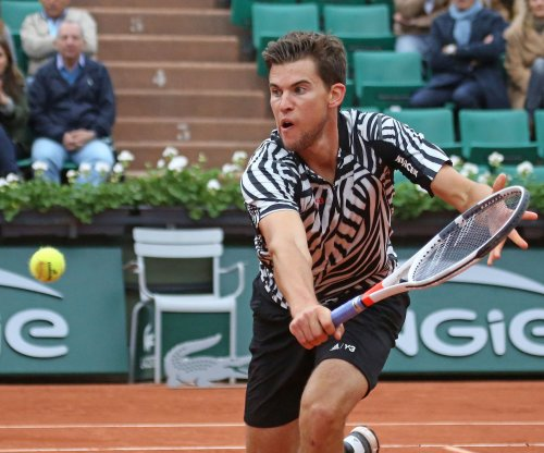 Dominic Thiem ends Rafael Nadal's win streak in Rome quarterfinals