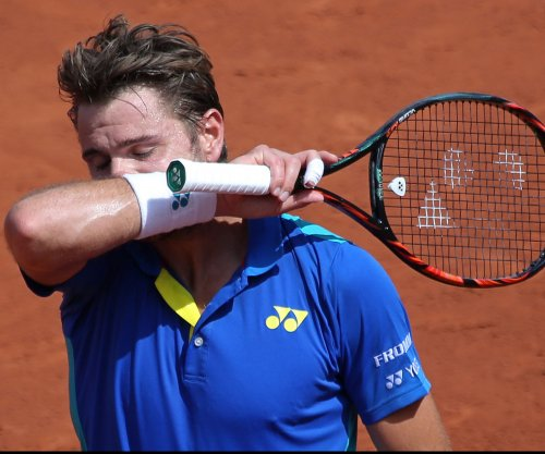 Stan Wawrinka out for season after knee surgery