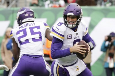 Minnesota Vikings sack Matthew Stafford, Detroit Lions